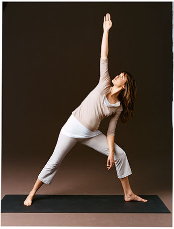 personal-yoga-trainer-classes-at-home-in-delhi